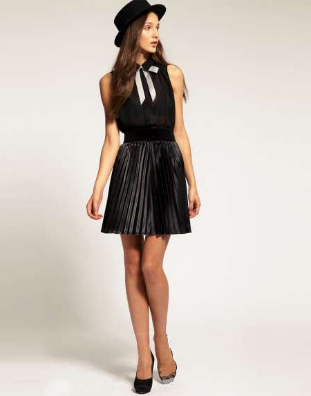 black-motel-pleated-skirt-w450.jpg